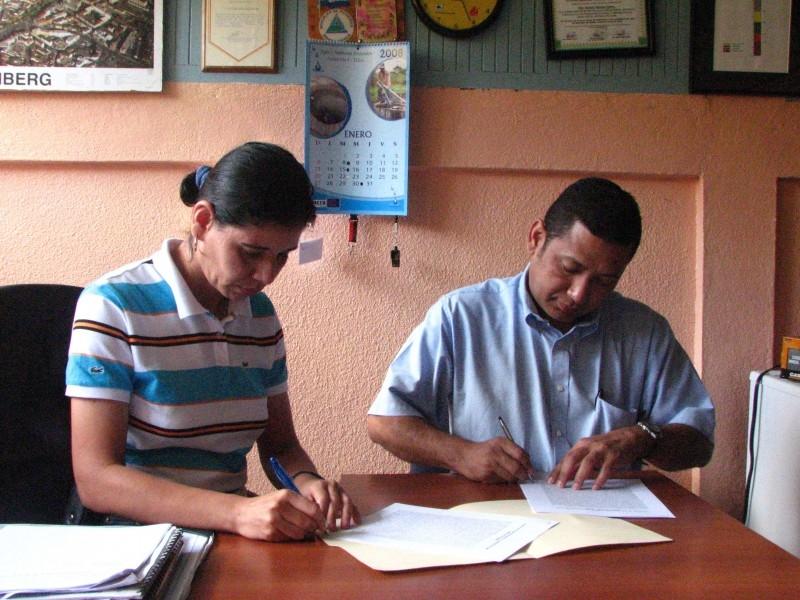 firma-de-convenio-entre-inac-y-autoridades-locales